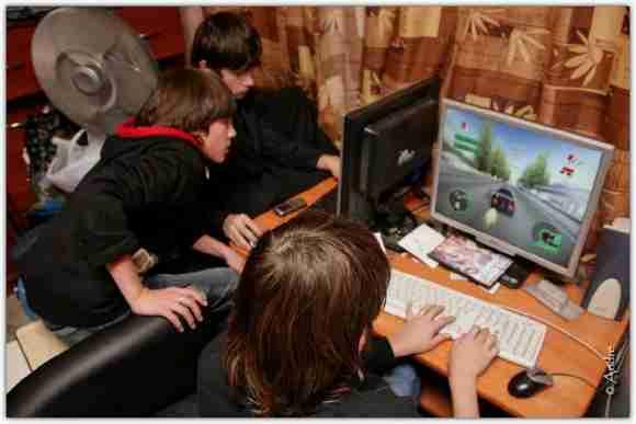 ... ados jeux vidéo ...